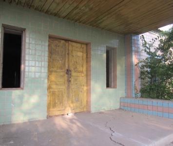 закинута частина будівлі - 2