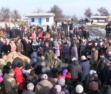 Татарбунари попрощалися із героєм АТО Романом Гульченко - 03