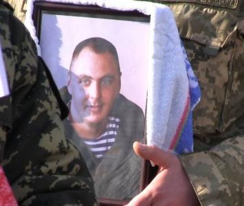 Татарбунари попрощалися із героєм АТО Романом Гульченко - 05