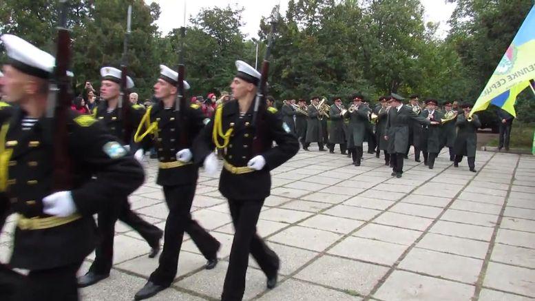 меморіальний камінь на честь героїв АТО - марш-2