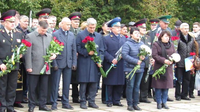 меморіальний камінь на честь героїв АТО - А.Сирбу-3