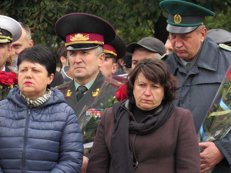 меморіальний камінь на честь героїв АТО - А.Сирбу-5