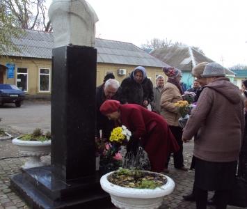 Мітинг біля пам'ятника Т.Г.Шевченка - Арциз - 2