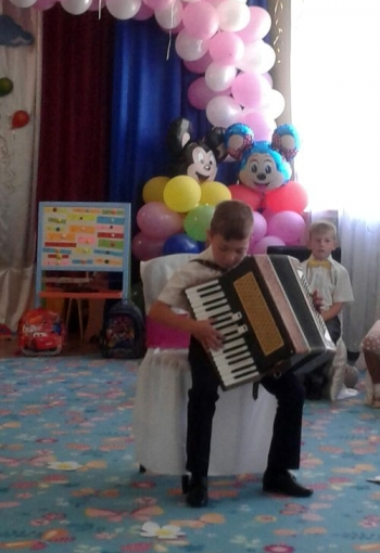 Дитячий садок -  Великомихайлівський НВК - випускний - 02