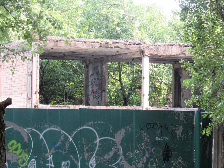 разрушенный детский сад