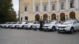 77 автомобілів Renault Sandero передали поліції Одещини