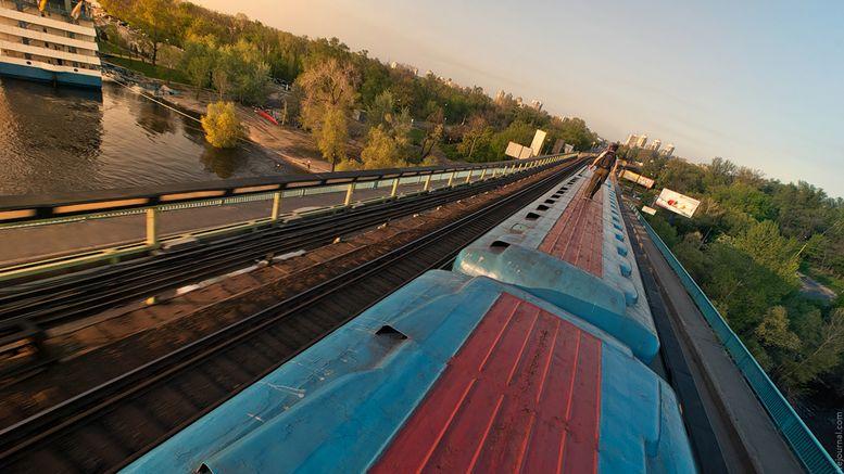 підлітка вдарило струмом на даху потяга