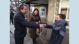 житло з усіма зручностями - Велика Михайлівка - діти-сироти
