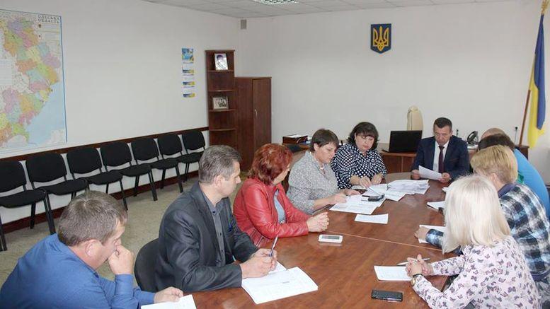 надання матеріальної допомоги жителям Окнянського району
