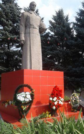 День Скорботи та вшанування жертв війни в Україні - Велика Михайлівка - 1