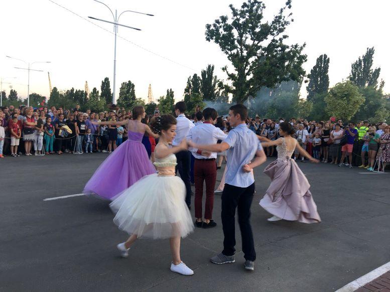 праздничный парад «Выпускник-2018» - Измаил - 1