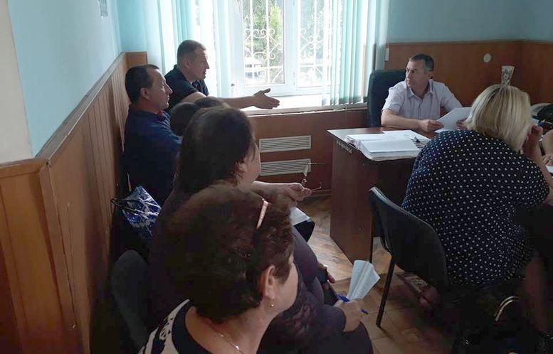 засідання виконавчого комітету селищної ради - Окни - 1